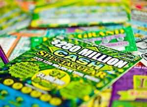 How to play in Scratch cards